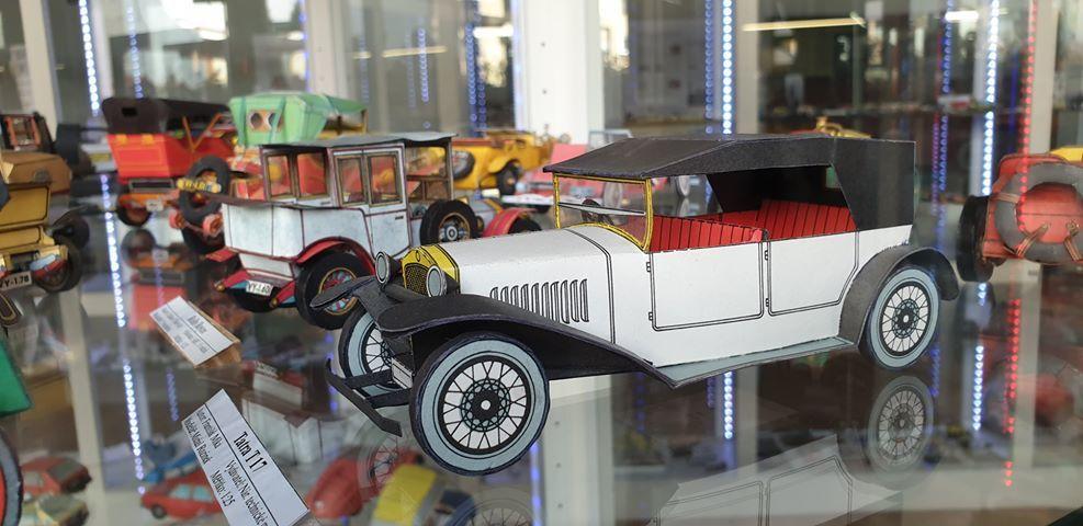 Muzeum papírových modelů 02