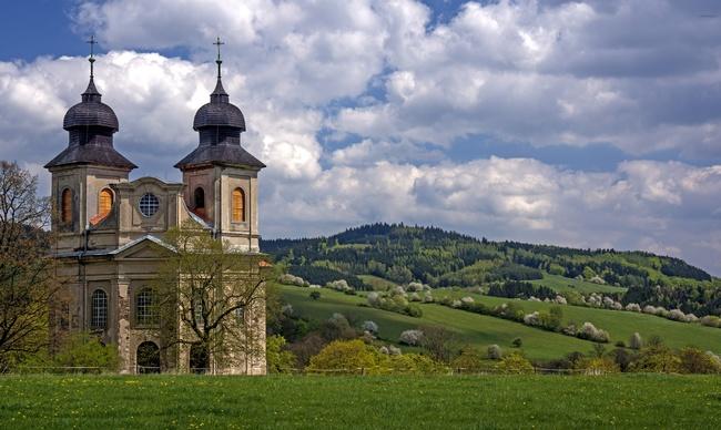Otevřené kostely tzv. broumovské skupiny