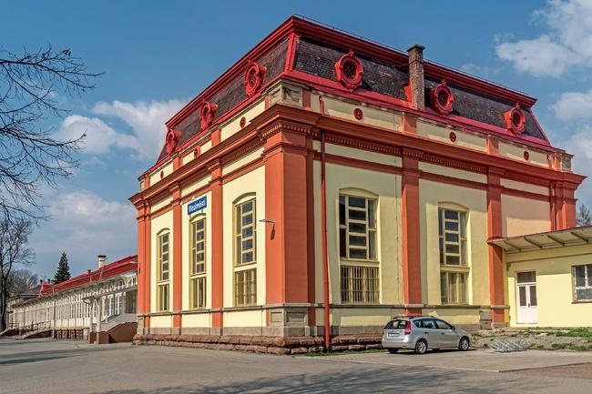 Vlakové nádraží v Meziměstí