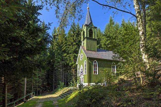 Kaple Panny Marie Růžencové v Ticháčkově lese, Suchý Důl
