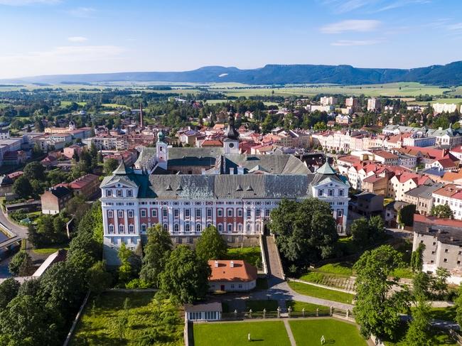 DEN 3. Klášter Broumov a nejstarší dřevěný kostel v ČR