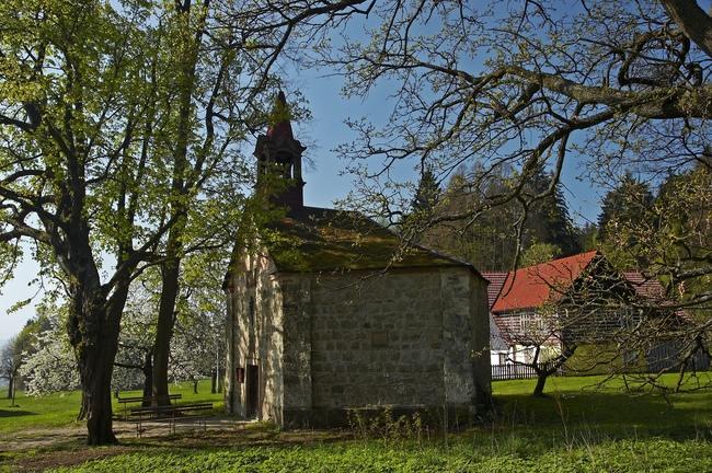 O původu kaple na Ostaši
