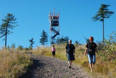 Na nejvyšší vrchol Broumovského výběžku