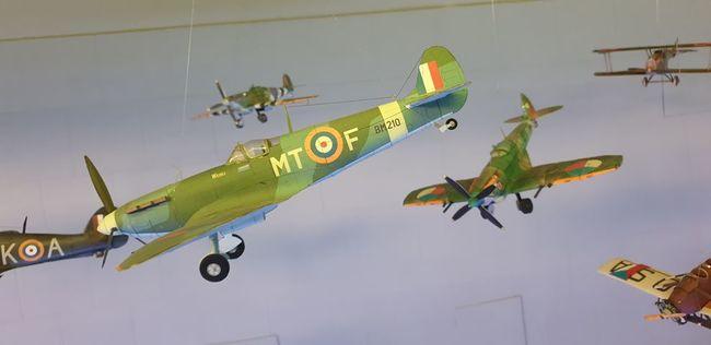 DEN 9: Muzeum papírových modelů a Muzeum Merkur